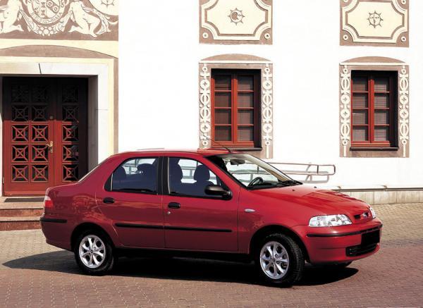Fiat Albea (2002-2005): типичный бюджетный вариант