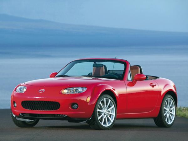 Mazda MX-5 станет легче и экономичнее