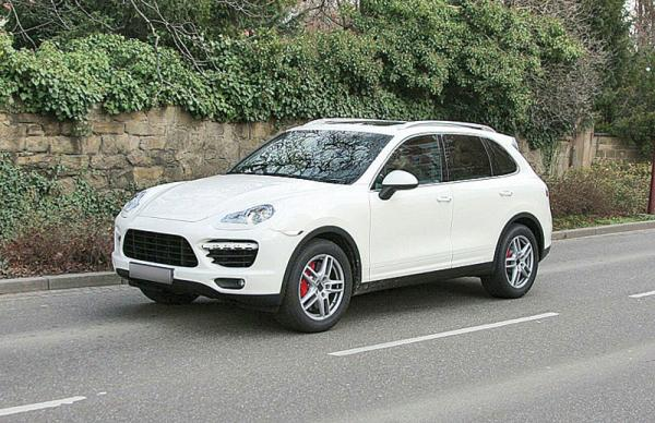 Porsche Cayenne покажут в Женеве
