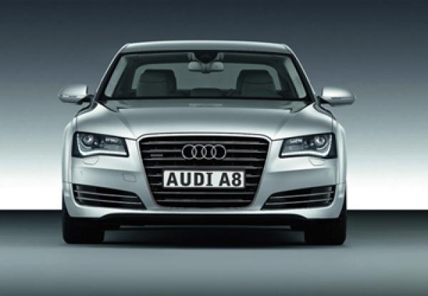 Audi A8: новый глава семейства