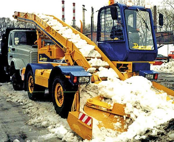 В Киеве осталось всего семь снегоуборочных машин
