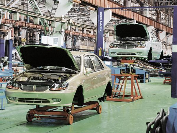 Украинские автозаводы уменьшают объемы производства