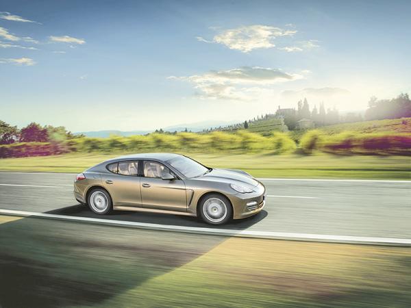 Porsche представит на Пекинском автошоу две новые Panamera