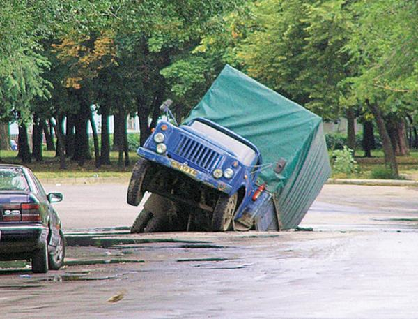 В Харькове ремонтируют дороги по новым технологиям