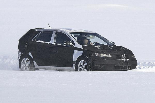 Kia Forte: первые фото хетчбэка 2012 модельного года