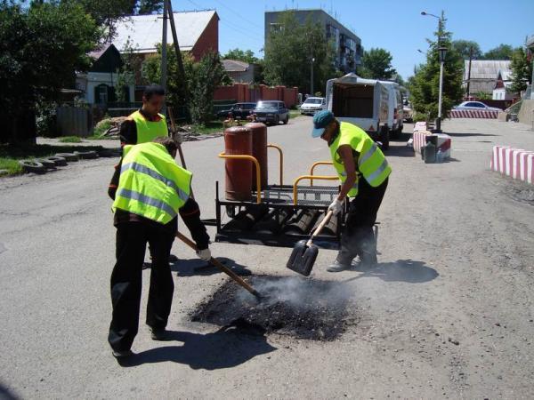 Дороги Херсона автомобилисты будут ремонтировать самостоятельно