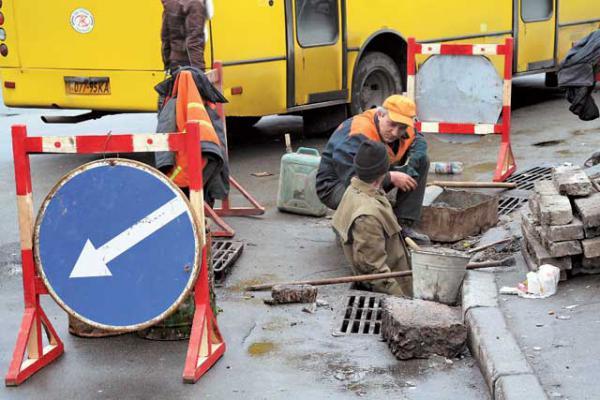 Ремонт дорог во дворах Киева обойдется в 97 млн гривен