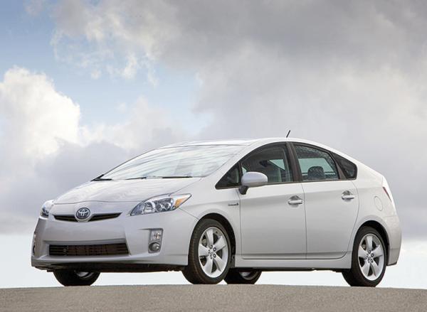 Toyota Prius официально доступен в Украине