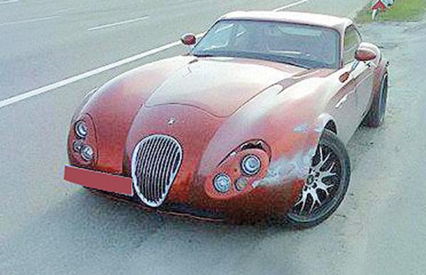Wiesmann GT MF4 стоимостью 200 000 долларов выброшен под Киевом