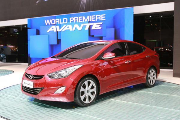 В Hyundai показали новый Elantra