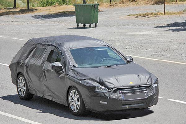 Peugeot 508 в кузове универсал