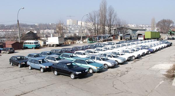 Продажи автомобилей ВАЗ в России увеличились в 2 раза