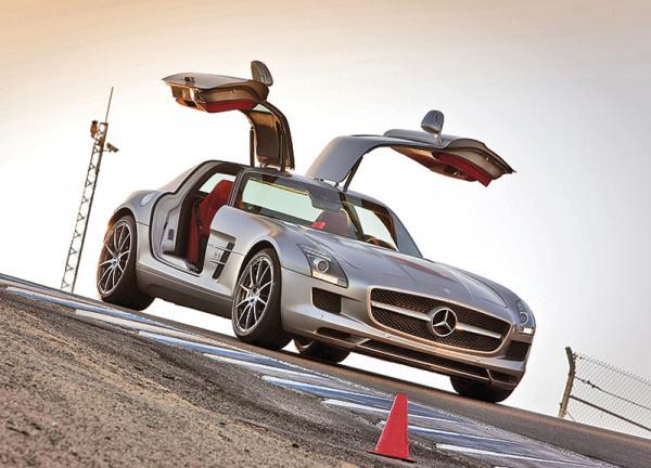Mercedes-Benz R-Class и Mercedes-Benz SLS AMG представят в Украине