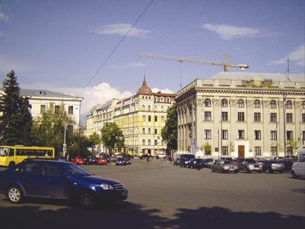 Киев. Подол станет односторонним