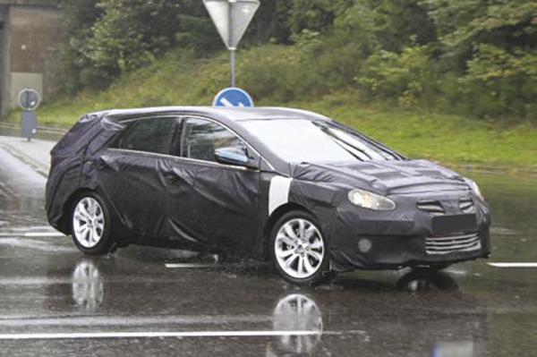 Универсал Hyundai Sonata 2012 модельного ряда