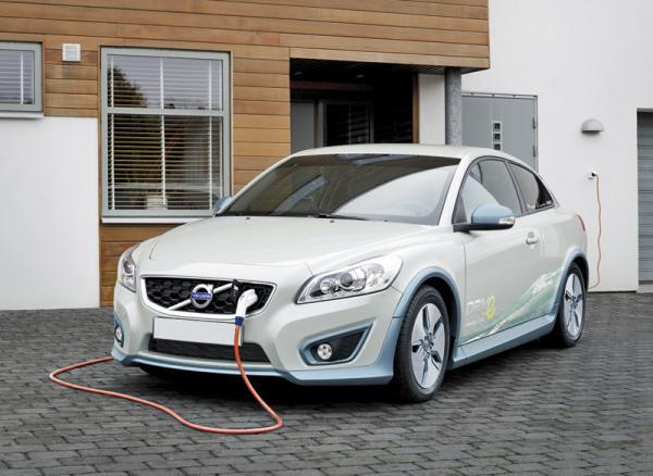 Volvo C30 DRIVе – первые серийные электромобили компании