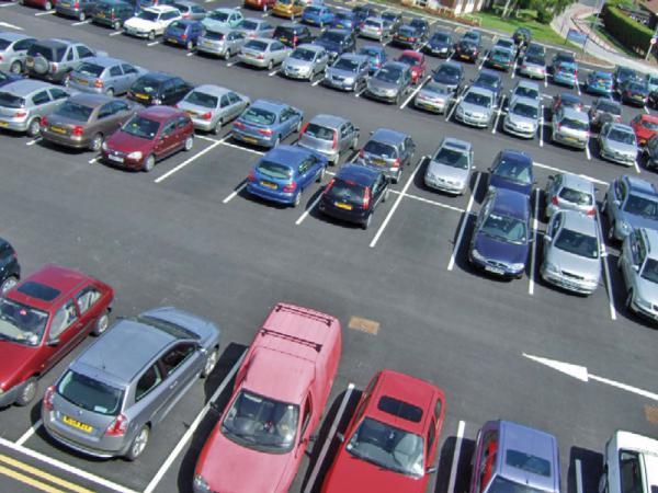 Поиск парковки занимает  1 год жизни
