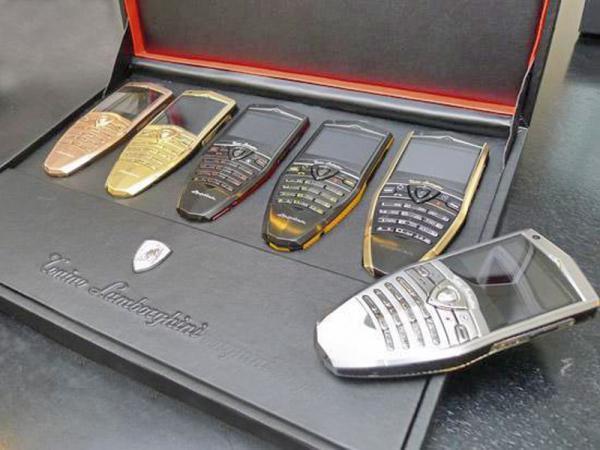 Под маркой Lamborghini появились мобильные телефоны