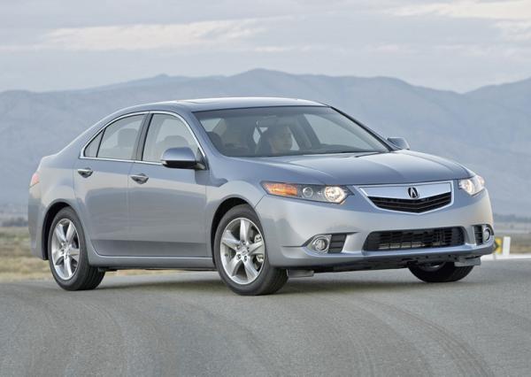 "Acura TSX: легкая ""подтяжка лица"""