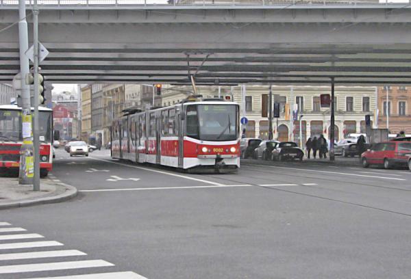 Столичные власти закупят 8 новых трамваев