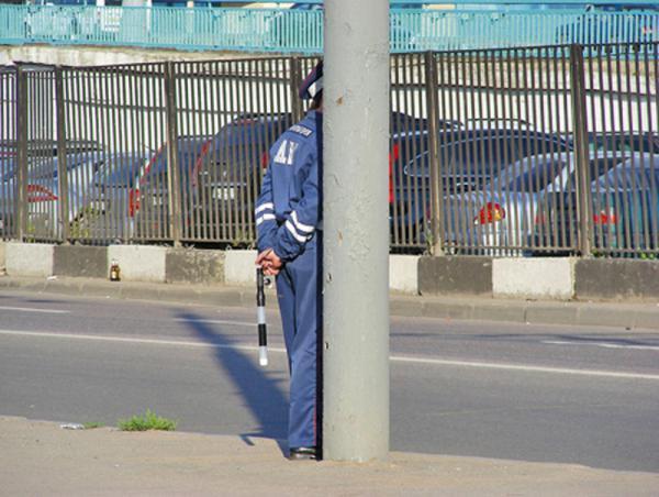 ГАИ имеет право прятаться во время несения службы только в целях безопасности