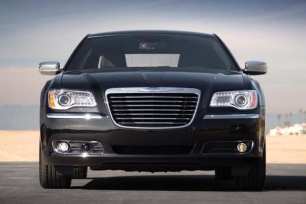 Chrysler 300 – обновленный автомобиль покажут в Детройте