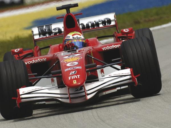 F1: Команде Ferrari не хватает денег